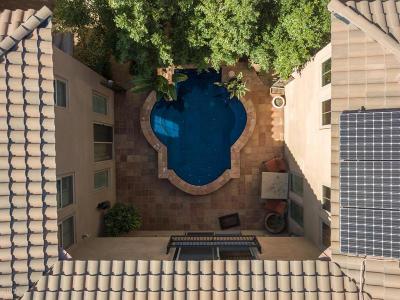 Phoenix Single Family Home For Sale: 3931 E Crest Lane