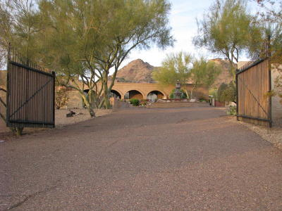 Paradise Valley Single Family Home For Sale: 4070 E Lincoln Drive