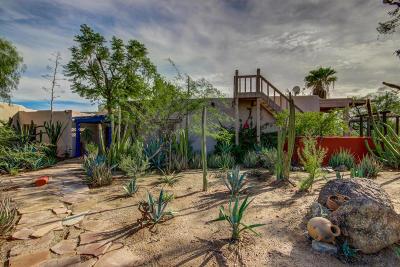 Scottsdale Single Family Home For Sale: 8040 E Camino Del Monte