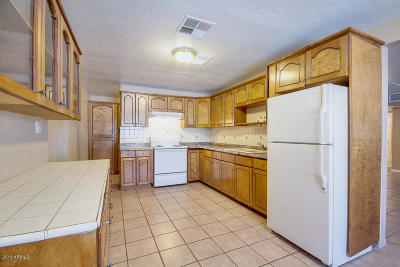 Phoenix Single Family Home For Sale: 3719 W Catalina Drive