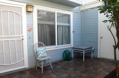 Mesa Condo/Townhouse For Sale: 510 N Alma School Road #219