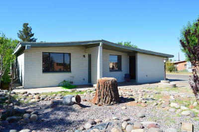 Douglas Single Family Home For Sale: 2501 E 15th Street