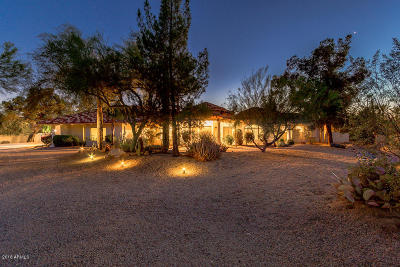 Scottsdale Single Family Home For Sale: 8444 E Whispering Wind Drive
