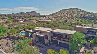 Superstition Mountain Single Family Home For Sale: 8739 E Quartz Mountain Drive