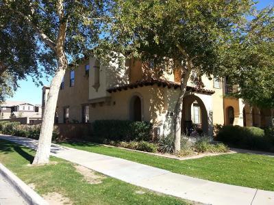 Buckeye Condo/Townhouse For Sale: 21182 W Sunrise Lane