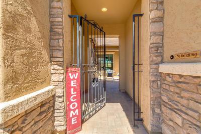Gilbert Single Family Home For Sale: 3294 E Strawberry Drive