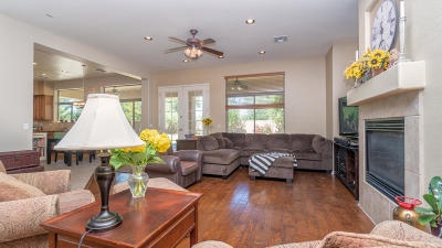 Chandler Single Family Home UCB (Under Contract-Backups): 1550 W Thompson Way