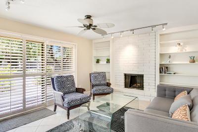 Scottsdale Condo/Townhouse For Sale: 8216 E Del Caverna Drive