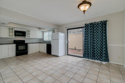 Tempe Condo/Townhouse For Sale: 4159 S Mill Avenue