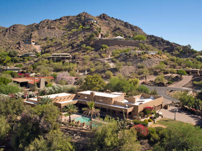 Paradise Valley Single Family Home UCB (Under Contract-Backups): 7500 N Black Rock Trail