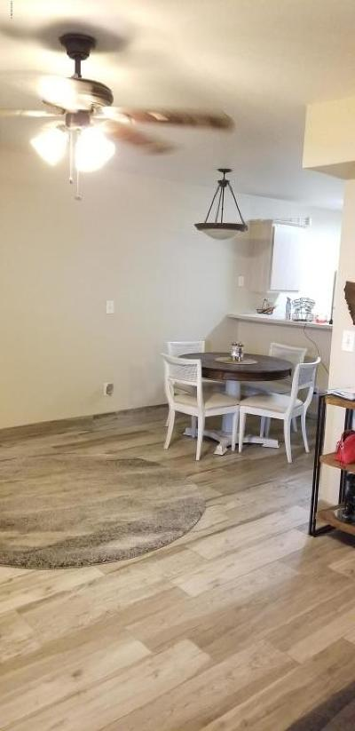 Mesa Condo/Townhouse For Sale: 2301 E University Drive #221