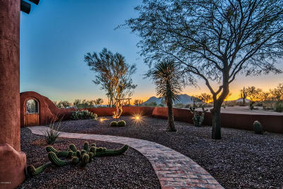 Scottsdale Single Family Home For Sale: 13652 E Old Paint Trail
