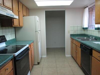 Phoenix  Condo/Townhouse For Sale: 6902 W Villa Road #1240
