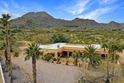 Paradise Valley Single Family Home For Sale: 6207 E Maverick Road