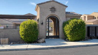 Scottsdale Condo/Townhouse For Sale: 10078 E Bell Road