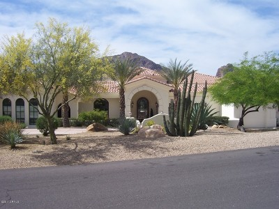 Paradise Valley Single Family Home For Sale: 5739 E Joshua Tree Lane