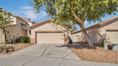 Chandler Single Family Home UCB (Under Contract-Backups): 2112 N Garrett Drive