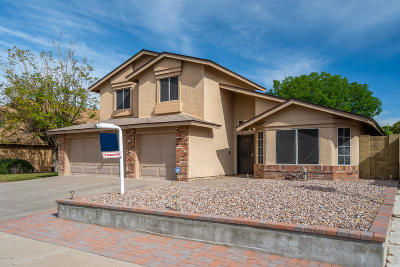 Glendale AZ Single Family Home For Sale: $334,998