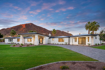 Phoenix Single Family Home For Sale: 4601 N Royal View Drive