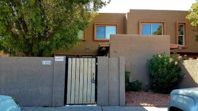 Phoenix Condo/Townhouse For Sale: 1442 N 53rd Drive