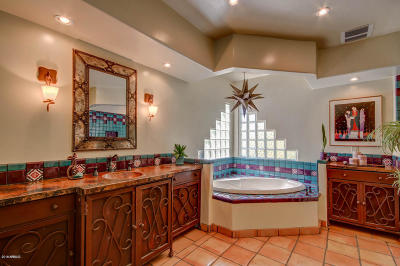 Scottsdale Single Family Home For Sale: 12209 N 66th Street