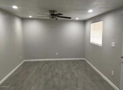 Phoenix Single Family Home For Sale: 4020 W Holly Street