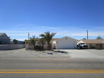 Mohave County Single Family Home For Sale: 477 Meadows Dr