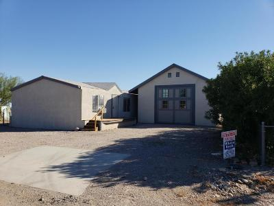 La Paz County Manufactured Home For Sale: 645 Spring Ln