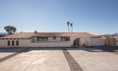 Lake Havasu City Single Family Home For Sale: 2411 Pima Dr S