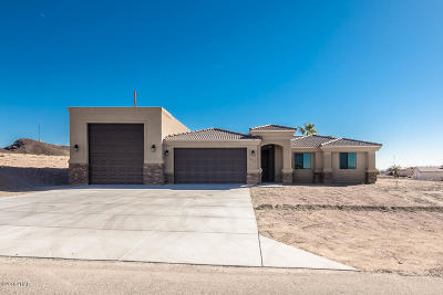 Lake Havasu City Single Family Home For Sale: 3900 Bluegrass Dr