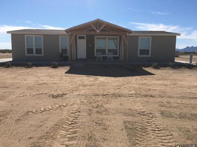 Bouse Manufactured Home For Sale: 48240 N 73rd St
