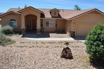 Prescott Single Family Home For Sale: 769 Peppermint Way