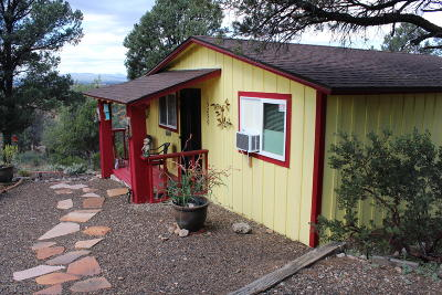 Prescott AZ Single Family Home For Sale: $205,000