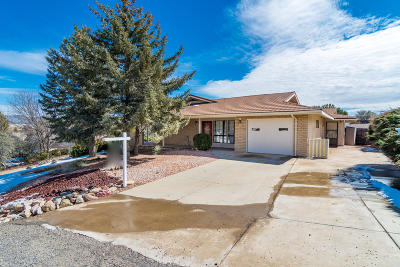 Dewey-humboldt Single Family Home For Sale: 729 N Navajo Drive