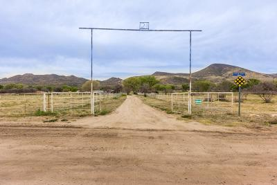 Yavapai County Single Family Home For Sale: 4610 Old Skull Valley Road