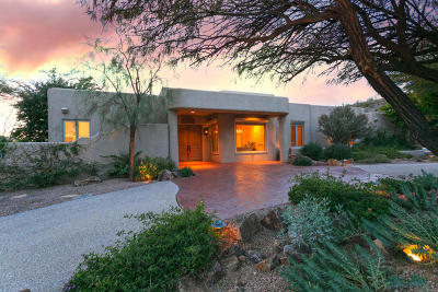 Tucson Single Family Home Active Contingent: 3825 N Mountain Cove Drive