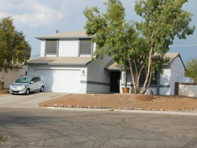 Pima County Single Family Home Active Contingent: 5820 N Belbrook Drive