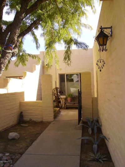 Single Family Home Active Contingent: 5264 N Paseo Del Arenal