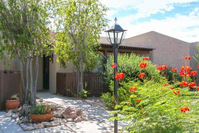 Single Family Home Active Contingent: 4556 E Paseo La Casita