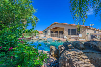 Single Family Home Active Contingent: 8748 E La Palma Drive