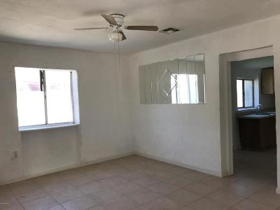 Pima County Single Family Home For Sale: 1106 W Huron Street