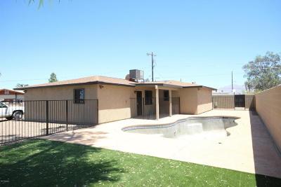 Single Family Home For Sale: 2302 N Hampton Street