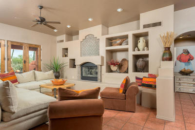 Tucson Single Family Home For Sale: 2392 N Whispering Bells Drive