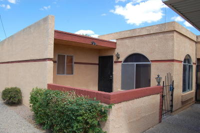 Single Family Home For Sale: 3760 E 3rd Street