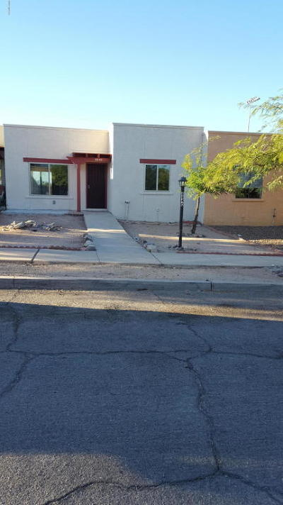 Pima County Townhouse For Sale: 8840 E Arbor Street