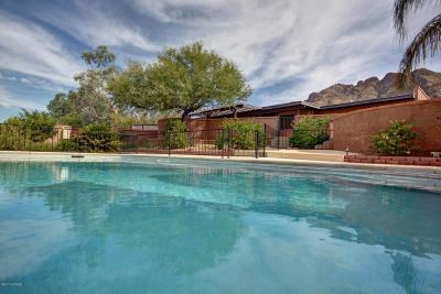 Tucson Single Family Home For Sale: 8645 N Sunnyslope Drive