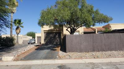 Pima County Townhouse For Sale: 4224 W Pyracantha Drive