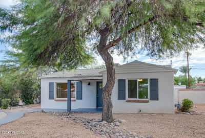 Single Family Home Active Contingent: 4356 E Elmwood Street