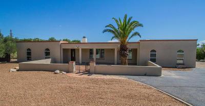 Single Family Home For Sale: 830 E Via Linterna