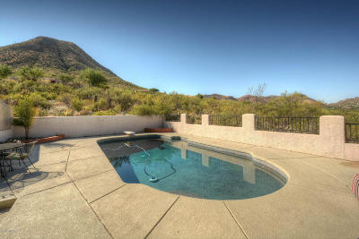 Tucson Single Family Home For Sale: 840 N Windbell Circle